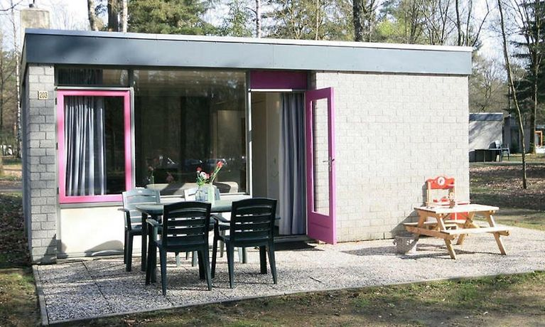 Comfortable Bungalow With A Tree House Box Bed On The Veluwe Holiday Home Epe Netherlands Season Deals From 128